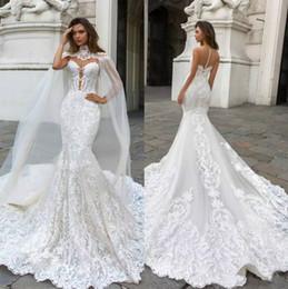 2019 Lindo Sereia Rendas Vestidos de Casamento Com Capa Sheer Mergulhando Pescoço Boêmio Vestido De Casamento Appliqued Plus Size Vestidos de Noiva De Novia em Promoção