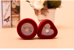 $enCountryForm.capitalKeyWord Canada - [Simple Seven] Romantic Red Round Sweetheart Wedding Ring Window Box Flocking Jewelry Display Ear Studs Velvet Case Engagemnet