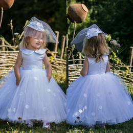 $enCountryForm.capitalKeyWord Australia - Cute Ball Gown Baby First Communion Dresses Sleeveless Tulle Long Flower Girl Dress For Wedding With Flora Appliques Custom Made Gowns