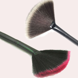 faced cosmetics pro 2018 - Black And Brown New Pro Fan Shape Makeup Cosmetic Brushes Blending Highlighter Contour Face Powder Foundation Beauty Too