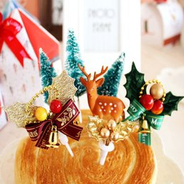 5pcs Christmas Cupcake Cake Toppers Decorations Food Muffin Fruit Sticks Sleigh Walking Stick Christmas Tree Toppers Picks Bands Without Stones
