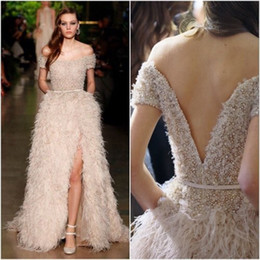Luxury Evening Dress Feather Canada - Fashion Luxury 2017 Evening Dresses Boat Neck Off the Shoulder V Back Open Beading Feathers Long Floor-Length Prom Party Gown