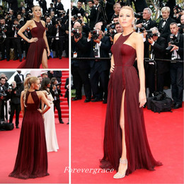 Robes Sexy Inspirées De Célébrités Pas Cher-Elegant Blake Lively Burgund Tapis Rouge Longue Robe de Soirée Celebrity Inspiré Sweep Train Formal Prom Party Gown Custom Made Plus Size