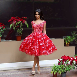 $enCountryForm.capitalKeyWord Canada - Lovely Red Short Prom Dresses Charming Off Shoulder Floral Appliques Puffy Knee Length Party Dress 2017 Custom Made Pretty Mini Evening Gown