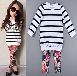 Vêtements De Mode Pas Cher-Hot Autumn Fashion Baby Girls Set de vêtements Kids Striped Tops T-shirt + Leggings floraux Pantalons 2pcs Outfits Costume de vêtements pour enfants