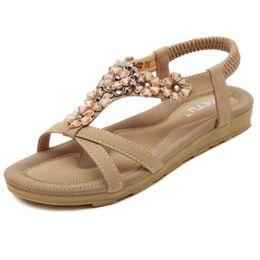 $enCountryForm.capitalKeyWord NZ - New Summer Sandals Bohemia Sweet Flowers Flat Shoes for Women's High Quality Beach Comfort Rhinestone Sandals