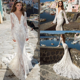 Nouvelle Conception De Robes Longues Pas Cher-New Design Robes de mariée de plage 2017 V-neck manches longues Court Train Lace Backless Mermaid Robes de mariée Vestido de noiva