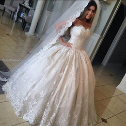 Barato Vestidos Longos Árabes-Gorgeous Lace Sweetheart Wedding Dresses 2017 Princess Ball Gown Arab Dubai Long Vestidos de noiva com Appliques