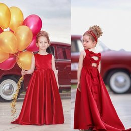 Barato Formals Vermelhos Baratos-Vintage Flower Girl Dress com trem Red Bow Kids Vestuário formal Cheap Little Girls Pageant Dresses