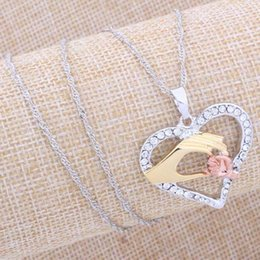 Mom Jewelry Necklace Canada - Mother And Child Pendant Gift For Mom Golden Mom Charm Necklace Hand Heart Love Mom Family Crystal Necklace Jewelry
