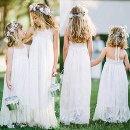 Barato Linda Linha Halter Chão-2017 Cheap Lovely White Lace Flower Girls Vestidos Halter Andar Comprimento A Line Baby Flower Girls Vestidos para Beach Garden Wedding Custom Made