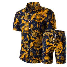 Homens Camisas + Shorts Set New Verão Impresso Ocasional Camisa Havaiana Homme Curto Masculino Impressão Vestido Terno Conjuntos Plus Size em Promoção