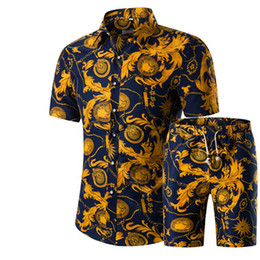 Barato Tamanho Vestidos L-Men Shirts + Shorts Set New Summer Casual Impresso Hawaiian Shirt Homme Short Masculino de impressão Dress Suit Sets Plus Size