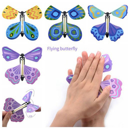 Venta al por mayor de Nuevo Magic Butterfly Flying Butterfly Change con las manos vacías Freedom Butterfly Magic Props Trucos de magia CCA6799 1000 unids
