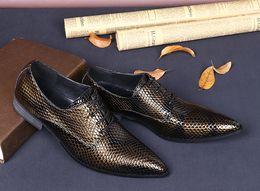 $enCountryForm.capitalKeyWord Canada - Patent Leather Men's Snake Print Luxury Man Flats Buckle Heels Dress Party Shoe Formal Mens Nightclub Stylist Shoes Sales