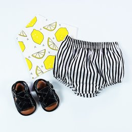 Mignon Bretelles Sous-vêtements Pas Cher-Hot Sell Vertical Striped Baby Underwear Girls Cute PP Pantalons Shorts Europe Style Stripe Toddler Cotton Brief fonds A6096