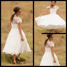 $enCountryForm.capitalKeyWord Canada - Western 2017 Short A-Line Wedding Dresses Full Luce Plus Size Cap Short Sleeve Jewel neck Appliques Covered Buttons Tea Length