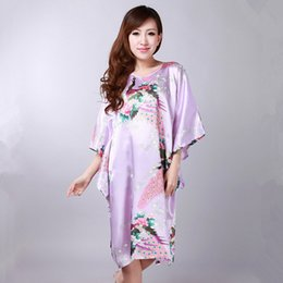 Barato Sexy Chinese Mini-Venda Por Atacado - Hot New Black Chinese Women Summer Silk Pijamas Sexy Mini Robe Dress Impresso Kaftan Banho Night Gown Flower One Size RB058
