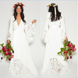 beach wedding dresses floral UK - 2017 Summer Beach Boho Wedding Dresses Bohemian Hippie Style Cheap Bridal Gowns Long Sleeve Lace Flower Bride Dress Plus Size