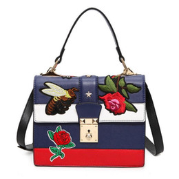 China Fashion bee flower embroidery women Totes shoulder bag handbag Crossbody Bag Sac cheap blue bee flowers suppliers