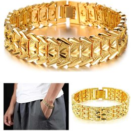love chains for couples 2019 - Classic Couple Heart Bracelet 18K Gold Platinum Plated Chunky Lovely Bangles Fashion Jewelry Gift For Love cheap love ch