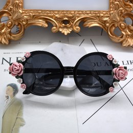 handmade sunglasses Canada - New Arrival Baroque Sunglasses Handmade Vintage Black Full Frame Round Sungalsses Pink Flower Baroque Sun Glasses Outdoor Accessories