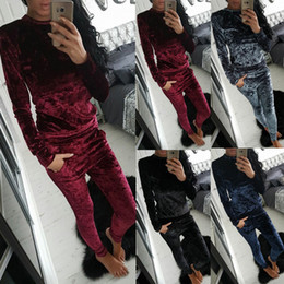 $enCountryForm.capitalKeyWord NZ - Velvet Tracksuit Two Piece Set Women Sexy Pink Long Sleeve Top And Pants Bodysuit Suit Runway Fashion 2017 Trainingspak