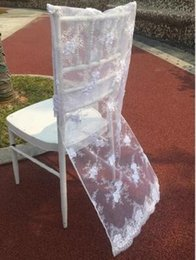 Barato Vestido De Cadeira De Casamento-White Lace Wedding Chair Covers Floral Chair Dresses Cadeira Sashes Festa Banquete Lace Covers Acessórios para casamento Decoração Decoração para casa