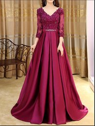 Dresser Une Robe De Bal Pas Cher-2017 Bourgogne perlé A-Line Robes de bal V-Neck 3/4 manches Lace Up Back Robes formelles de fête Evening Long Dress Prom