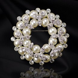 $enCountryForm.capitalKeyWord Canada - Silver Plated Factory Direct Sale Imitation Pearl Flower Wreath Pretty Brooch Wedding Bridal Bouquet Decoration Brooch BQ0117