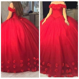 Robe D'épaule Debutante Pas Cher-2017 Off the Shoulder Corset Fleurs Adorned Sweet 16 Robe Puffy Ball Gown Robes de fête Red Quinceanera Robes robe de debutante Prom