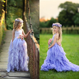 Barato Vestidos De Princesa Azul Menina Criança-Lavender Halter Flower Girls Dresses Crianças com flores artesanais Tiered Tulle Toddler Girls Dress Up Dressant Princess Kids Dress