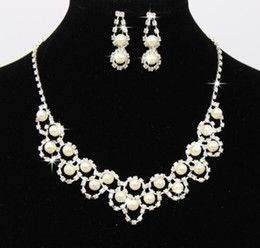 $enCountryForm.capitalKeyWord NZ - Fashion Pearl Rhinestone Necklace Earrings Bridal Wedding Jewelry Set Crystal Earring Necklace Party Jewelry for Bridesmaid