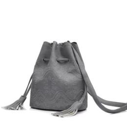 Ingrosso REALER brand new donne stringa secchio borsa vintage floreale in rilievo borsa a tracolla femminile messenger borse a mano solido beige