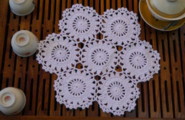 Wholesale  25cm Creative Cotton Crocheted Table Mat Pad DIY Cup Coaster  Tablecloth Placemat For Gift Wedding Kitchen Christmas Decoration