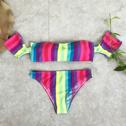 Barato Mostre Biquínis Mulheres Sexy-2017 New Summer One Word Led Color Stripe Show Thin Fission Sexy Bikini estilo quente Bikini Set Mulheres Bathinng Suit