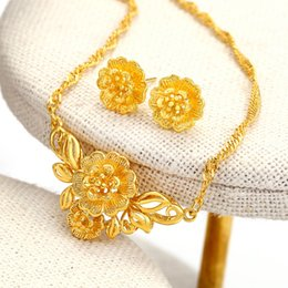 18k women jewelry set Canada - 2017 new arrival bridal jewelry sets 18k yellow gold filled women flower pendant necklace+earrings sets
