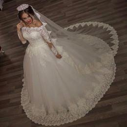 bridal luxury veil 2019 - 2017 Luxury Vintage Long Sleeves off Shoulder Wedding Dresses Princess Lace Alliques Bridal Bride Gowns with veil robe d