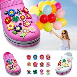 $enCountryForm.capitalKeyWord NZ - 12Pcs lot Flowers PVC Cartoon Shoe Charms Ornaments Buckles Fit for Shoes & Bracelets ,Charm Decoration,Shoe Accessories Party Gift