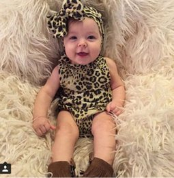 Barato Mamã Do Leopardo Do Bebê Dos Meninos-Atacado Leopard Printed Baby Romper Summer Newborn Halter Rompers Boy Girl Roupa Baby Leopard Rompers + Headband Kids Infant 2pcs Sets