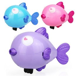 fish toy wind up 2019 - Wind Up Water Toy Kiss Fish Swim Toys Baby Educational Clockwork Wind Up Plastic Swimming Toy YH986 cheap fish toy wind