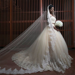 Barato Vestidos Longos E Pesados-Spaghetti Straps Two Pieces Heavy Beaded Sexy African Wedding Dresses 2017 com Long Veil Ball Gown Lace Applique Bride Gown