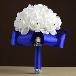 Barato Bouquets De Noiva Artificiais Rosas Vermelhas-Royal Blue Purple Red Turquoise Rose Artificial Bridal Flowers Bride Bouquet buque de noiva Bride damas de honra Wedding Bouquet Rubi de seda