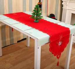 $enCountryForm.capitalKeyWord Canada - XmasTable Runner Sashes Cloth Christmas Santa Bell Cane Candle design Tassel Wedding Party Bed Table Runner Cloth Decoration