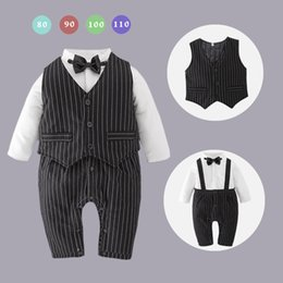 Barato Conjuntos De Peças De Menino-Two Pieces Autumn 2017 Baby Boys Macarrões listrados com Waistcoats Baby Fashion Casual Clothing Baby Boy Clothes Kids Sets