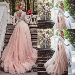 Discount short blush beach wedding dresses - Western Country Garden Long Sleeves Wedding Dresses Backless Deep V Neck Lace Blush Tulle Chapel Train A-Line 2017 Plus