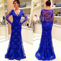 Modeste Robe De Bal Royal Blue Pas Cher-Modeste Royal Blue Lace Robe de soirée Deep V Neck Long Sleeve Evening Wear Robe formelle Robe de bal sur mesure Robe de balayage