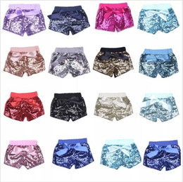 Barato Trajes De Dança Para O Verão-Baby Sequins Shorts Summer Glitter Pants Meninas Bling Dance Party Shorts Sequins Costume Glow Bowknot Calças Fashion Boutique Shorts B2250
