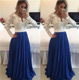 Barato Vestidos Manga Longa Desfile Barato-Hot 2017 Evening Dresses Manga comprida Lace Pearl Beaded Blue Prom Dress A Line Vestido formal de festa Long Evening Evening Cheapantress Vestidos