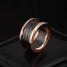 $enCountryForm.capitalKeyWord NZ - Brand name 316L Stainless Steel Rings with White and Black Ceramic in rose gold Plated Women and Men Rings Fashion Wedding Jewelry PS5485